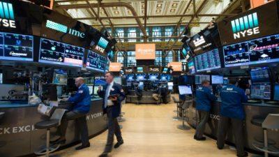 Wall Street hace una pausa; el Nasdaq y S&P 500 baten nuevos récords