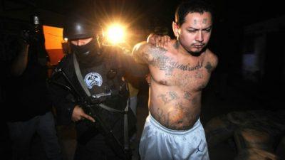 El Salvador pide que no se estigmatice a sus migrantes por pandillas en EEUU