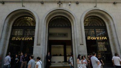 La Bolsa de Sao Paulo suspende operaciones por caída de más de 10%.