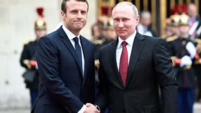 "Macron recibe a Putin en Versalles para un diálogo ""sin concesiones"""