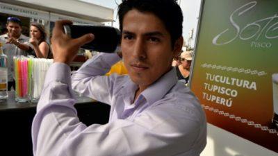 Perú en pie de guerra por impedimento de llevar pisco a concurso en Chile