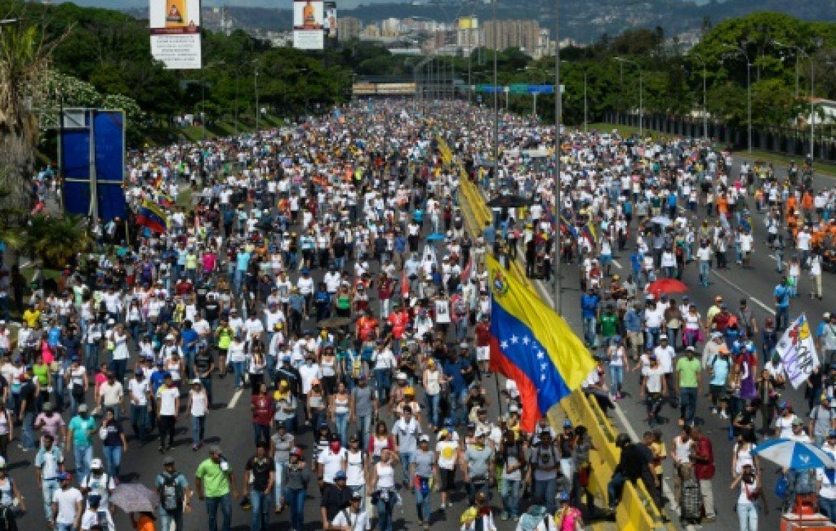 La oposición, ante el desafío de exhibir su fuerza en Venezuela