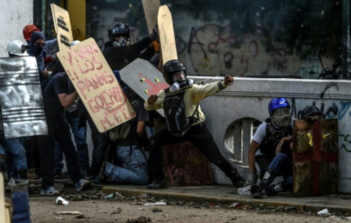 """Oposición de Venezuela dice que aumentará """"presión"""" callejera contra Maduro"""