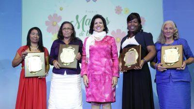 Vicepresidenta Margarita Cedeño afirma la sociedad dominicana necesita volver a los valores