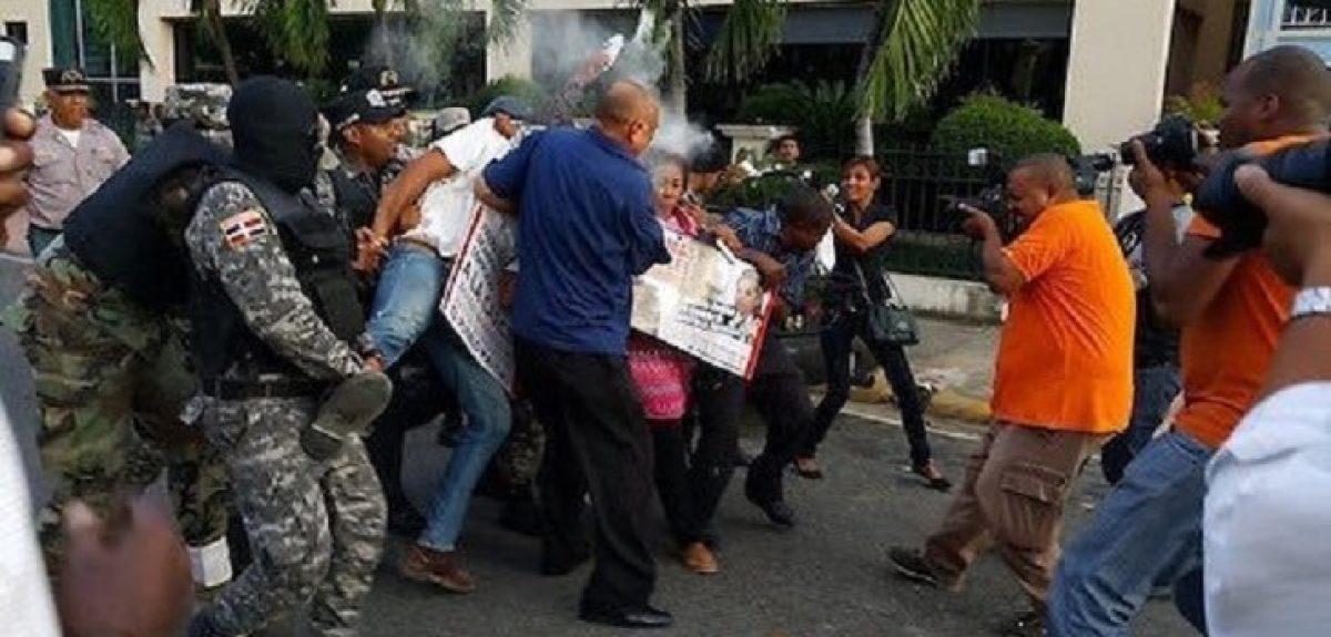 Con actos de brutalidad policial, terminó manifestación pacífica contra corrupción en OISOE