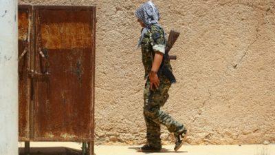 Feroces combates a las puertas de la ciudad vieja de Raqa, en Siria