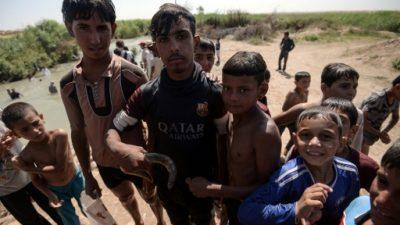 Los jóvenes tratan de olvidar la guerra de Mosul