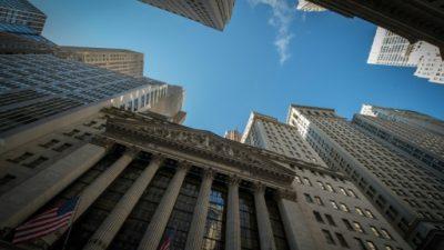Wall Street termina en alza, el Dow Jones y S&P 500 baten récord