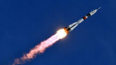 Una nave no tripulada rusa Progress abastece a la Estación Espacial