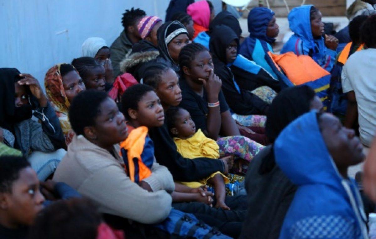 Más de 900 migrantes rescatados frente a las costas de Libia