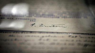 Cartas de Einstein con reflexiones sobre física, Dios e Israel a subasta