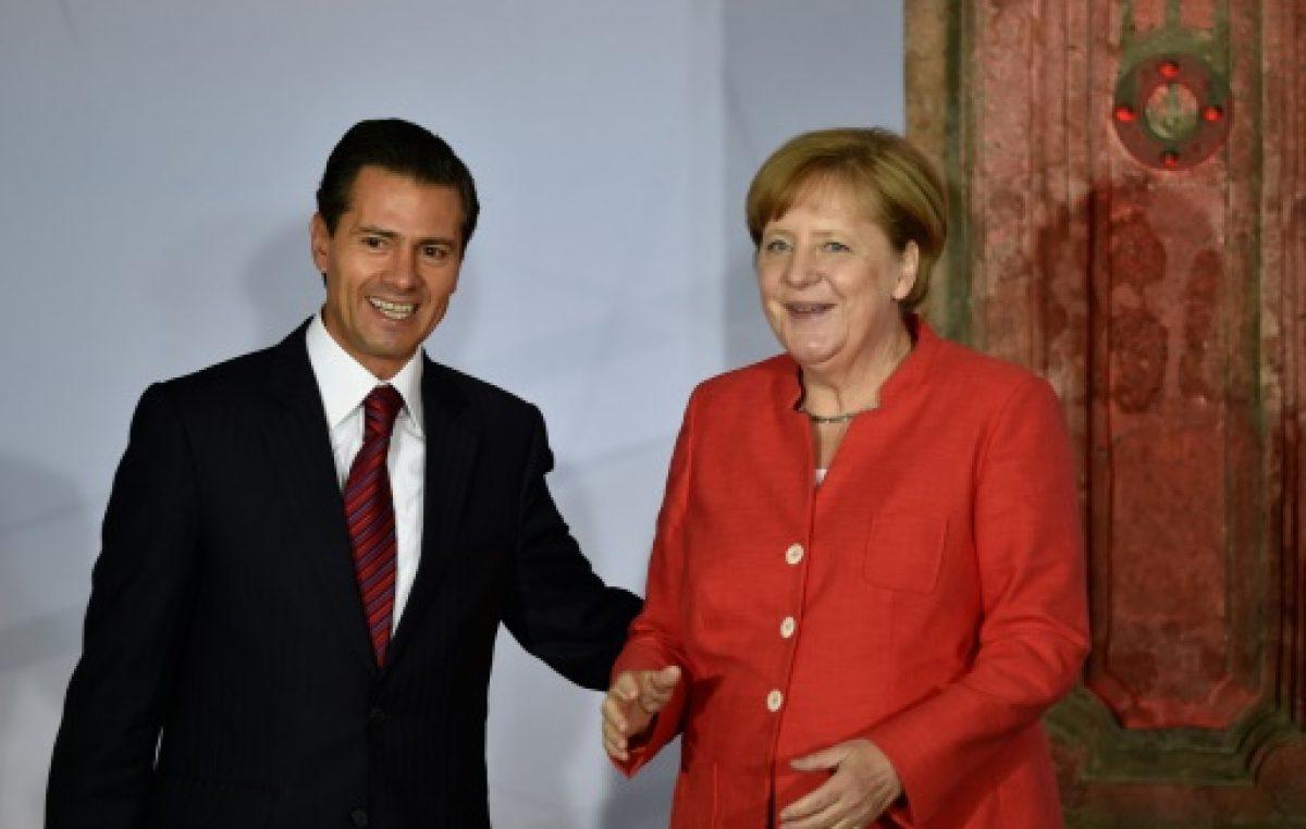 Merkel aboga por sistema de formación dual de visita en México