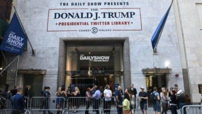 Una biblioteca temporaria con los tuits de Trump abre en Nueva York
