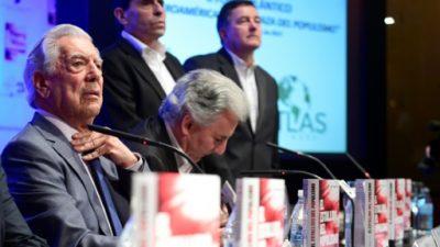 """El populismo """"es hoy día un fenómeno mundial"""", dice Vargas Llosa"""