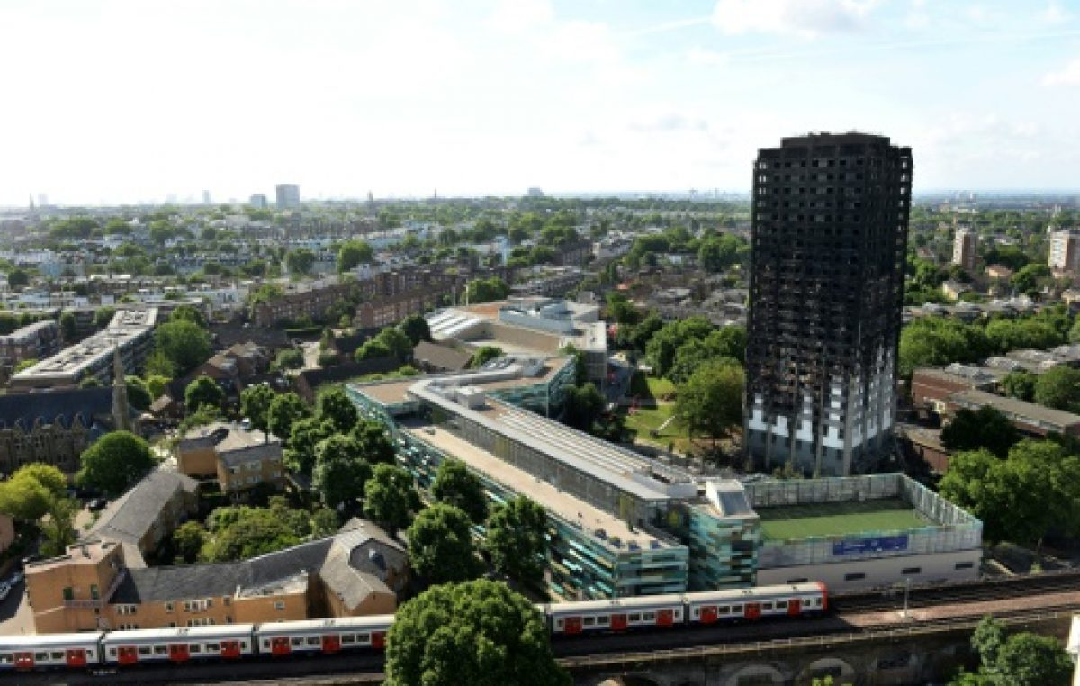Aumentan a 30 los muertos en el incendio de un edificio de Londres