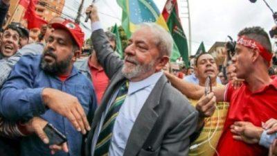 Lula es condenado a 9 años y medio de cárcel por corrupción