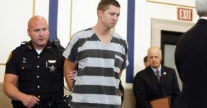 Anulan segundo juicio de policía de Ohio que mató a un conductor