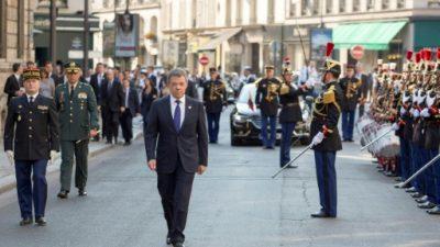 """Colombia """"es un país mejor"""" que hace siete años, asegura Santos en Francia"""