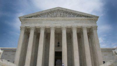 Corte Suprema de EEUU limita facultad del gobierno de quitar ciudadanía