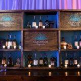 Destilería británica compra tequila de George Clooney en mil millones de dólares
