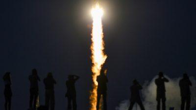 Despega una nave Soyuz con tres astronautas hacia la ISS