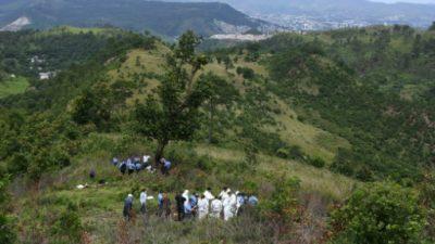 Honduras sigue búsqueda de restos de víctimas de pandilleros en cementerio clandestino