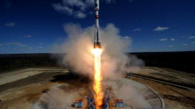 Ponen en órbita desde Rusia 73 satélites en un solo lanzamiento