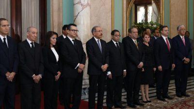 Danilo Medina juramenta nuevos miembros Tribunal Superior Electoral y Suprema Corte de Justicia