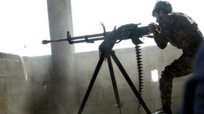 El grupo EI frena el avance en Raqa con coches bomba y morteros