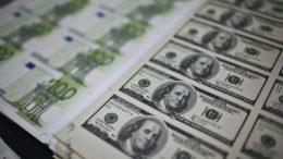 El euro sube ante el dólar tras decisión del BCE