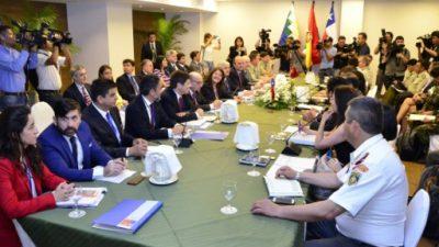 Bolivia y Chile discuten problemas fronterizos y Evo Morales pide diálogo