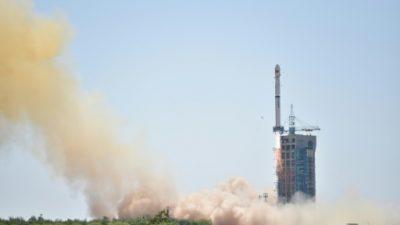 China lanza su cohete espacial Larga Marcha 5 Y2