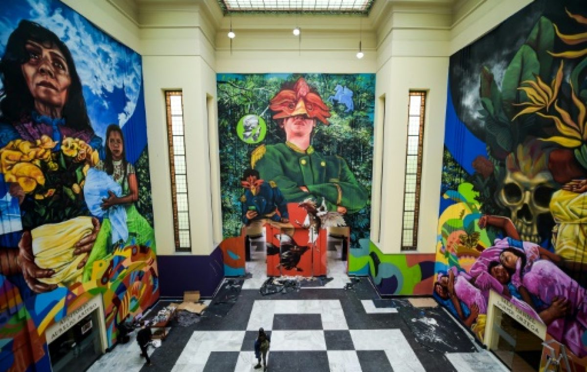 """Con arte urbano, Colombia celebra medio siglo de """"Cien años de soledad"""""""