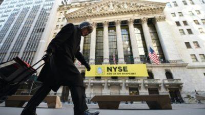 Wall Street cautelosa con bancos centrales y expectante con empresas