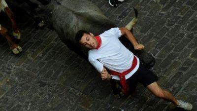 Diez heridos, dos por cornadas, en el segundo encierro de San Fermín