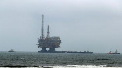 El petróleo se derrumba en Nueva York a la espera del huracán Irma