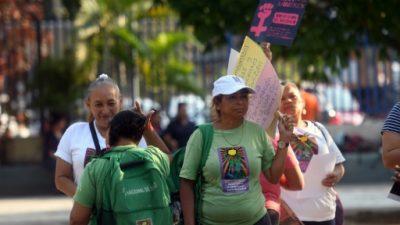Condena de 30 años de cárcel a salvadoreña por aborto genera indignación