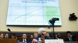 Las tasas de EEUU deberían subir gradualmente, reitera Yellen