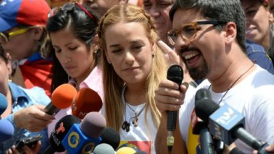 Esposa de López niega que el líder opositor venezolano negociara excarcelación