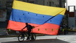 SP rebaja la nota de Venezuela y advierte del riesgo de suspensión de pagos en seis meses