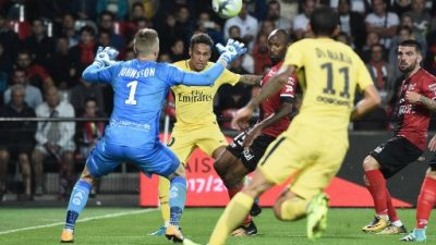 Neymar brilla en su debut con el PSG, Falcao 'baila' al Dijon