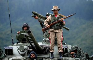 Maduro moviliza a la Fuerza Armada ante amenaza militar de Trump