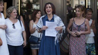 Juana Rivas entrega a sus niños y pone fin a disputa que apasionó a España