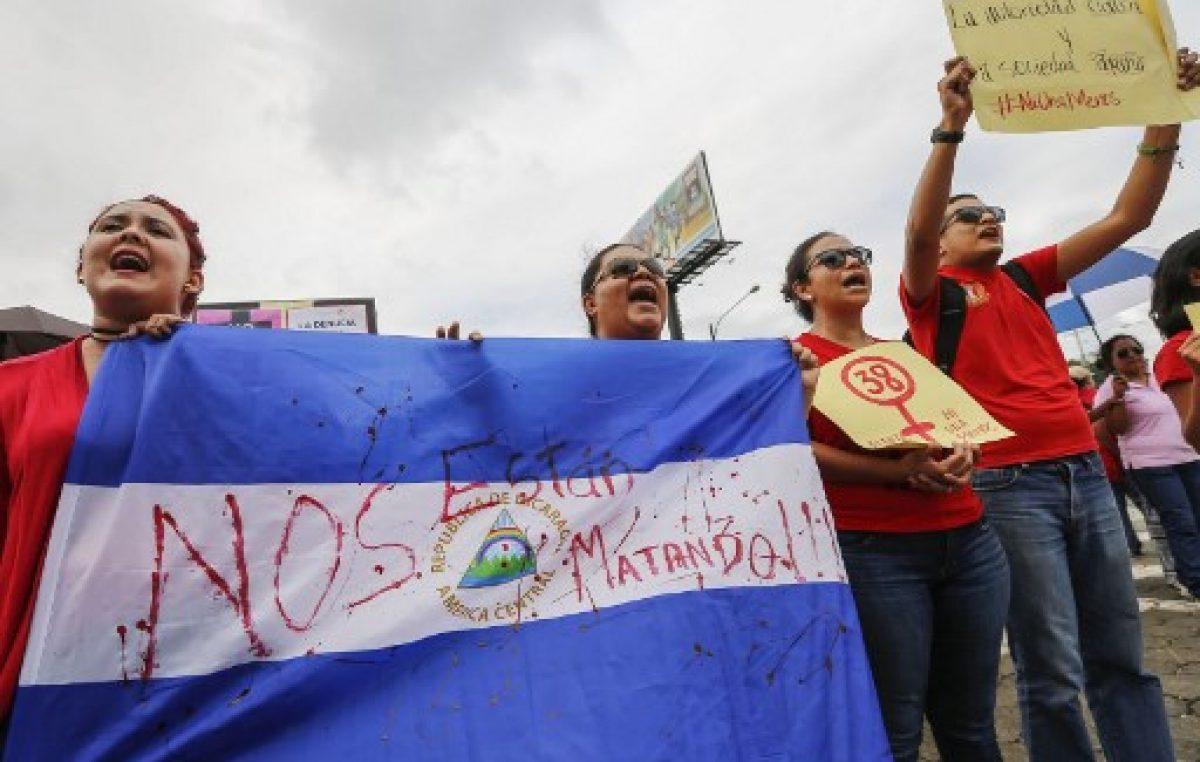Lágrimas y dolor en marcha contra asesinato de mujeres en Nicaragua