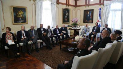 RD: Gobierno otorgará 5,500 becas para estudiar en el país y 2,500 en el extranjero