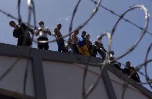 Motín en cárcel del sur de Venezuela deja al menos 37 muertos