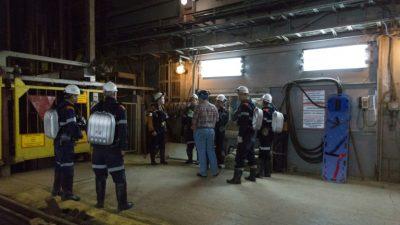 El agua sube en la mina rusa donde ocho mineros siguen atrapados