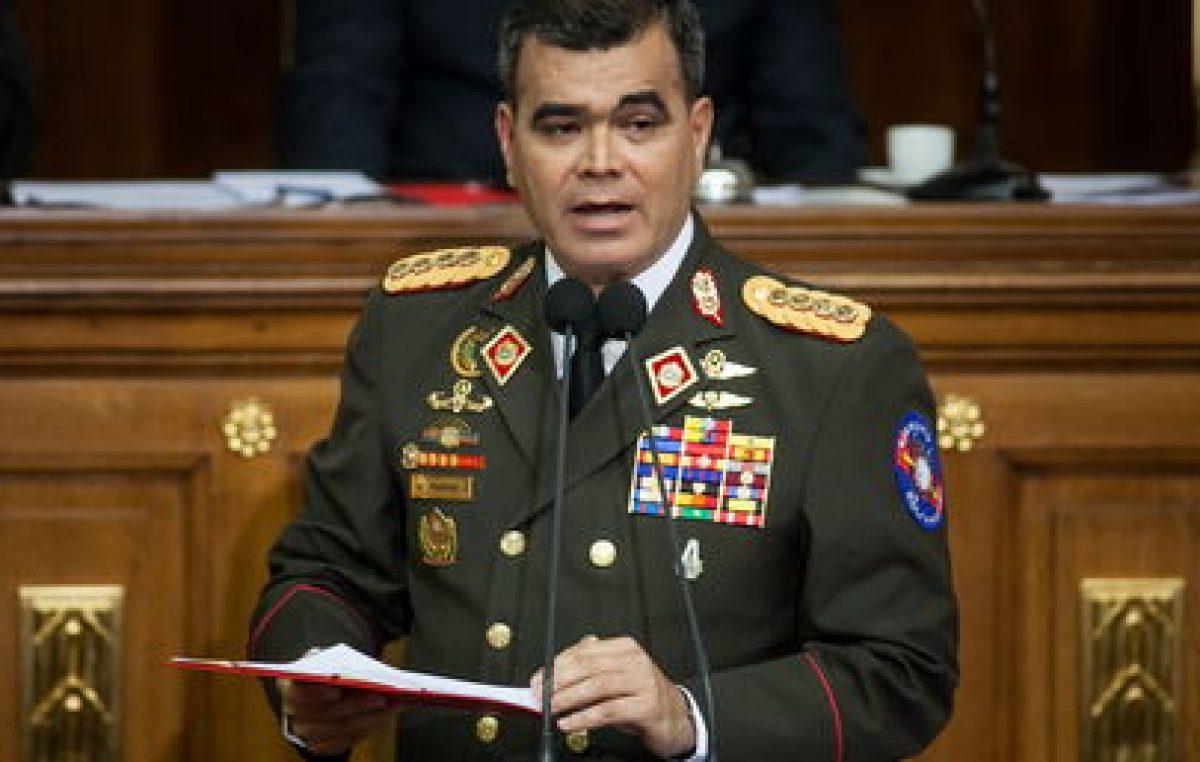 """Venezuela advierte a Trump que se defenderá de su """"locura"""" extremista"""