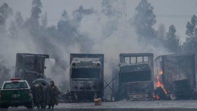 """Incendian 29 camiones en """"atentado"""" en el sur de Chile"""