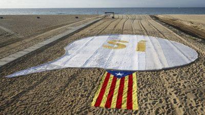 Independentistas catalanes lanzan su campaña por un referéndum de autodeterminación